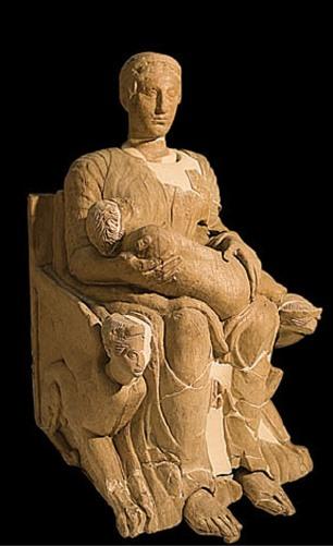 La escultura 'Mater matura', del siglo V a.C. (Foto: Museo Arqueológico)