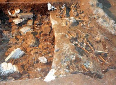 Vista de algunos de los hallazgos encontrados, como el ábside románico de la antigua iglesia del Siglo XI del Monasterio de Yuso de San Millán de la Cogolla, que data del Siglo XVI / EFE