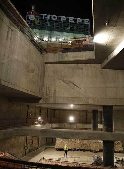 Restos de la iglesi del Buen Suceso en la Puerta del Sol, que quedaron al descubierto con las obras de la estación de Cercanías que Fomento construye. / LUIS SEVILLANO