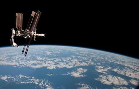 Imagen del transbordador espacial y la ISS acoplados. | NASA.