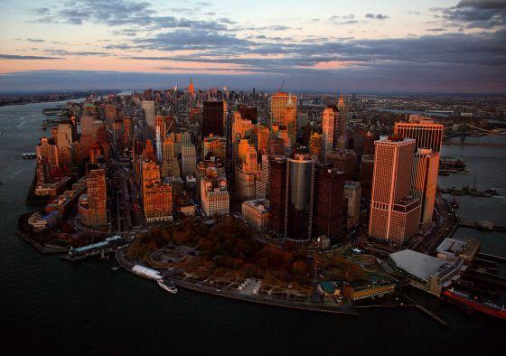 Un vista del la parte baja de la ciudad donde Frank Ghery ha levantado su primer rascacielos en Manhattan. / Yann Arthus-Bertrand