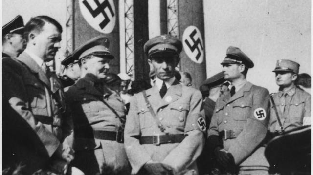 Jerarquía nazi: Hitler, Goering, Goebbels y Hess, de izquierda a derecha (CC)