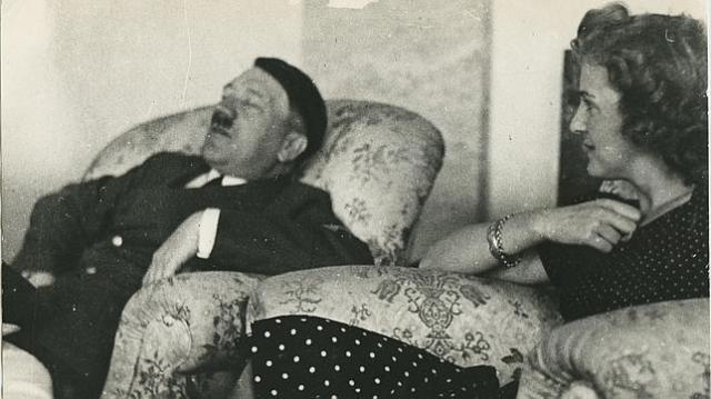 abc Hitler durmiendo junto a Eva Braun