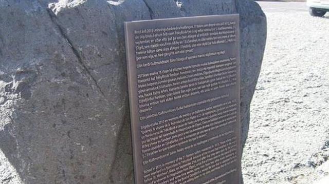 Ólafur Engilbertsson, ICELAND REVIEW Memorial dedicado a los 32 balleneros vascos asesinados