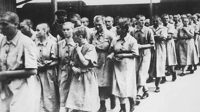 AFO Mujeres prisioneras en Auschwitz
