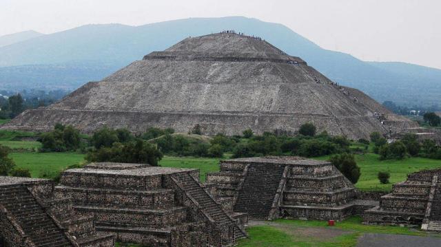 Imagen de archivo de la ciudad mexicana de Teotihuacán (EFE) Leer más:  El enigmático mapa cuadricular de una nueva ciudad maya en Guatemala. Noticias de Alma, Corazón, Vida  http://www.elconfidencial.com/alma-corazon-vida/2015-05-06/ciudad-maya-guatemala-nixtun-estructura-cuadricular_788957/#lpu6ps538W13upyv