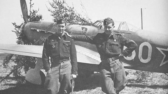 Memorial Normandie-Niemen Dos de los pilotos que viajaron hasta la U.R.S.S. para servir a las órdenes de Stalin