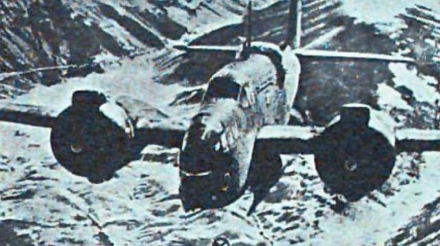 Archivo ABC Bombarderos americanos lanzan explosivos sobre una de las bases meteorlógicas nazis ubicadas en el Ártico