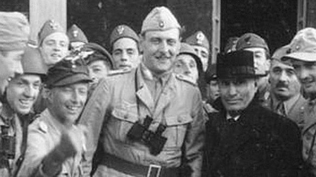 abc El alto mando de las SS Otto Skorzeny, en el centro, en una imagen de archivo