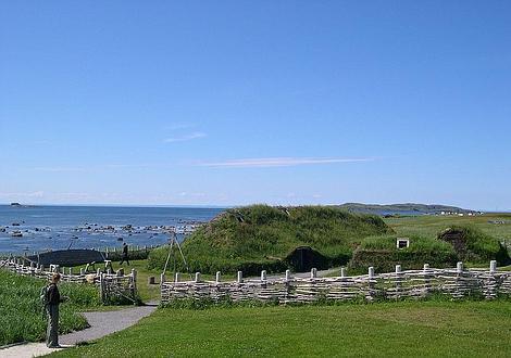 Wikipedia Poblado vikingo de L'Anse aux Meadows (Terranova, Canadá)