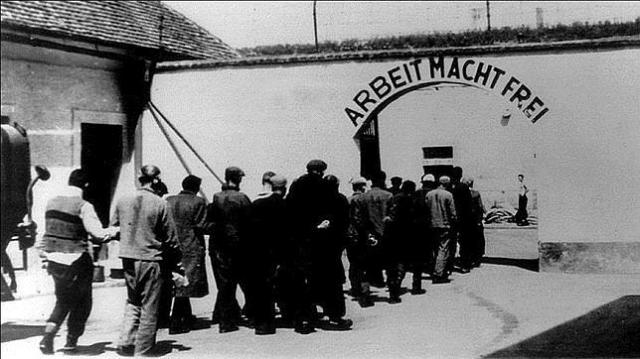 ABC Entrada al campo de concentración de Terezín, donde Viktor Ullmann compuso «El emperador de la Atlántida»