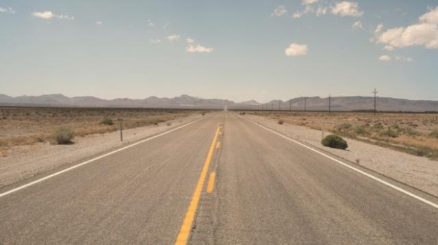La carretera madre de Estados Unidos,recorre los estados de Illinois, Misouri, Kansas, Oklahoma, Texas, Nuevo México, Arizona y California. PAU LLAVADOR