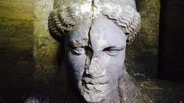 abc Cariátide hallada en Amfípolis, hoy sin fondos para la excavación