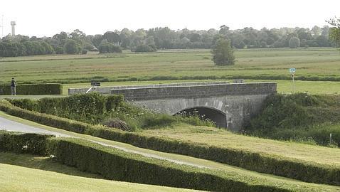 Puente en el que se dieron los combates de la carretera la Fiere 101 Airborne Girona Reenactment Group