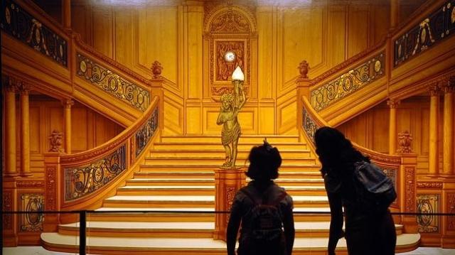 abc La gran escalinata que conducía a los camarotes de primera clase del transatlántico