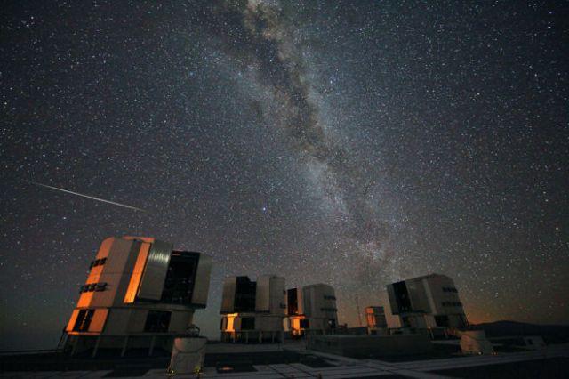 Una Perseida vista en el Observatorio de Paranal (Chile), agosto 2010 STÉPAHNE GUISARD/ ESO