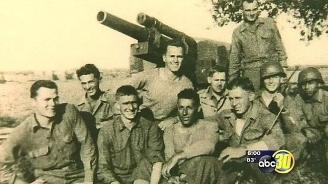 YouTube Ramos, junto a su unidad durante la Segunda Guerra Mundial