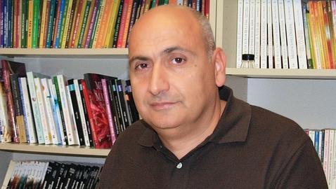 José Luis Hernández Garvi, autor de «Héroes, villanos y genios» Edaf