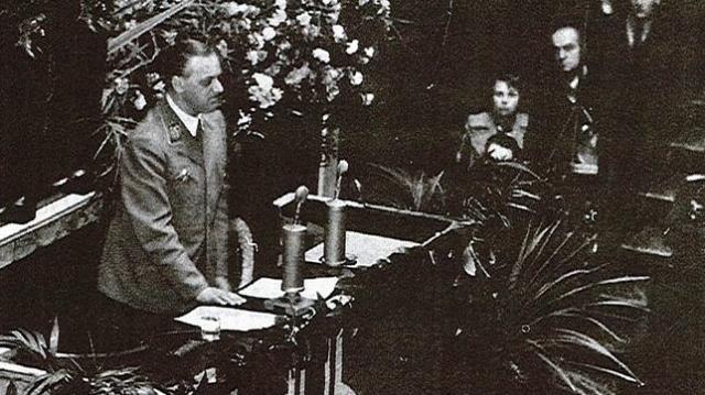 archivos del ushmmm Alfred Rosenberg en la Asamblea Nacional francesa en 1940