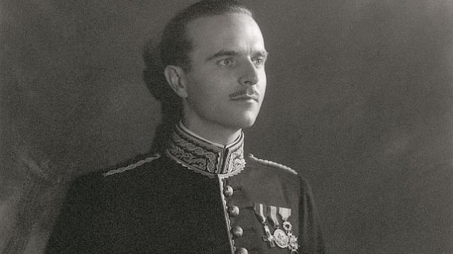 abc Ángel Sanz Briz, con su uniforme del cuerpo diplomático
