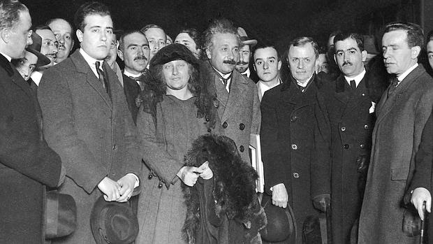 Albert Einstein en su llegada a Madrid