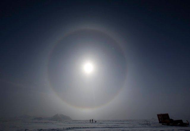 Científicos miden la extensión del agujero de la capa de ozono durante su expedición antártica.EFE