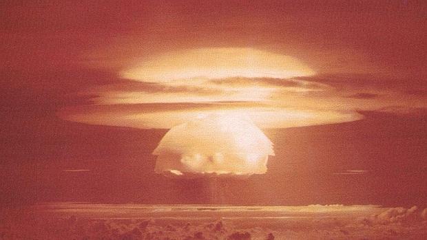 La prueba «Castle Bravo» con una potencia de 15 megatones (Bikini, 1954). - Wikimedia