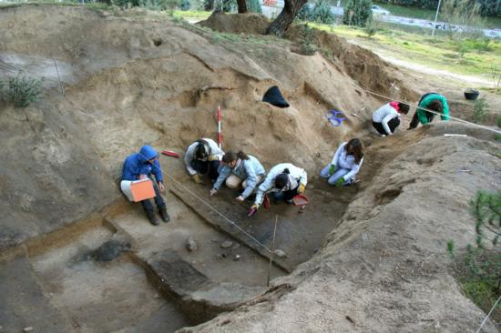 Excavación de un abrigo republicano en la Ciudad Universitaria, Madrid. / UCM