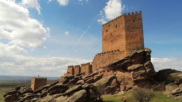 Castillo de Zafra, cerca de Campillo de Dueñas - Borjaanimal