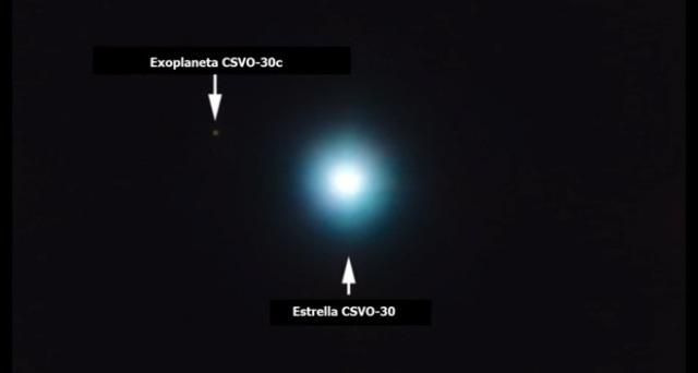 La estrella CSVO-30 y su planeta más lejano observados con el telescopio VLT. ESO