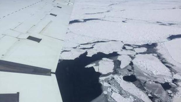 Los científicos están más preocupados por cómo se ha comportando la región antártica en noviembre - J. Beitler/National Snow and Ice Data Center